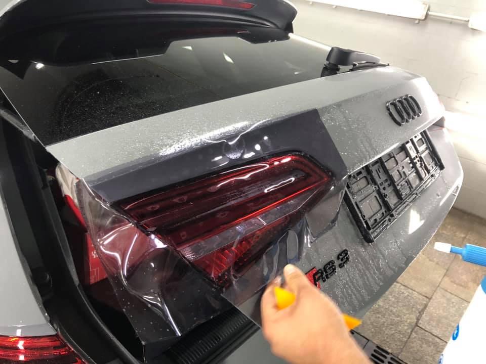 Audi RS3 Przyciemniająca folia na lampy